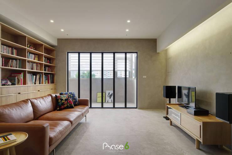 Apartment  W:  客廳 by 六相設計 Phase6,