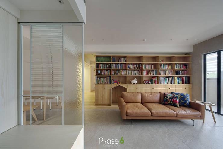 Apartment  W:  玻璃門 by 六相設計 Phase6,