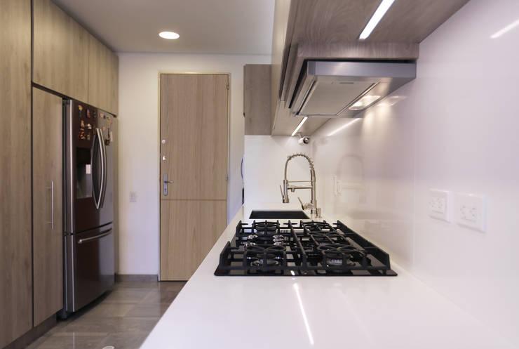 Baño y Cocina SG: Cocinas de estilo  por Gamma,