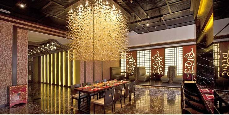 KALYA İÇ MİMARLIK \ KALYA INTERIOR DESIGN – Otel Uzakdoğu Restoranı:  tarz Yeme & İçme, Asyatik Ahşap Ahşap rengi