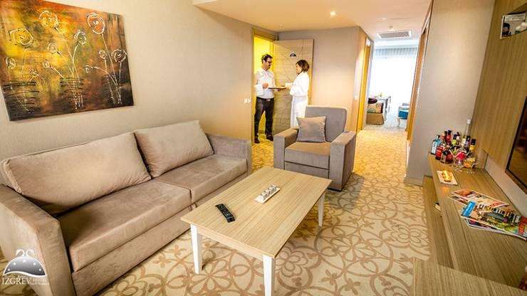 KALYA İÇ MİMARLIK \ KALYA INTERIOR DESIGN – Suit Otel Odası:  tarz Oteller, Modern Ahşap Ahşap rengi