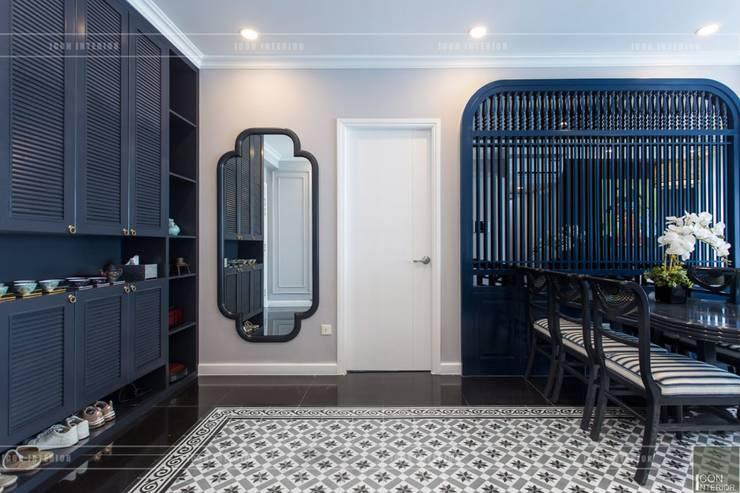 Phong cách Đông Dương trong căn hộ 3 phòng ngủ Saigon Pearl:  Cửa ra vào by ICON INTERIOR,