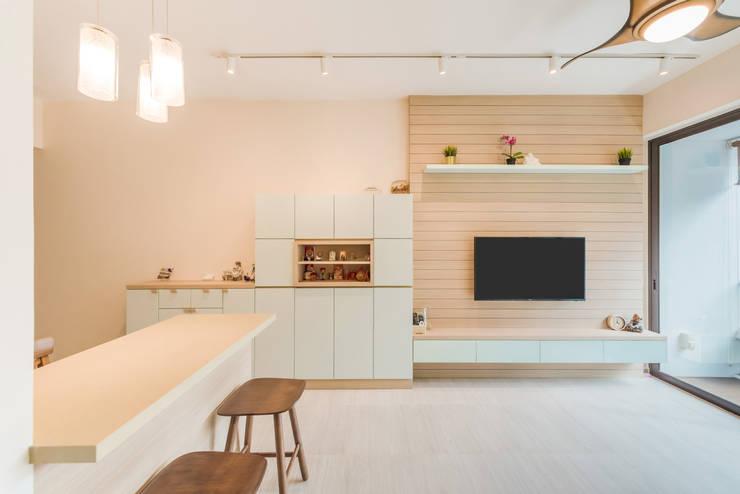 Living Room Scandinavian style living room by DAP Atelier Scandinavian Wood Wood effect
