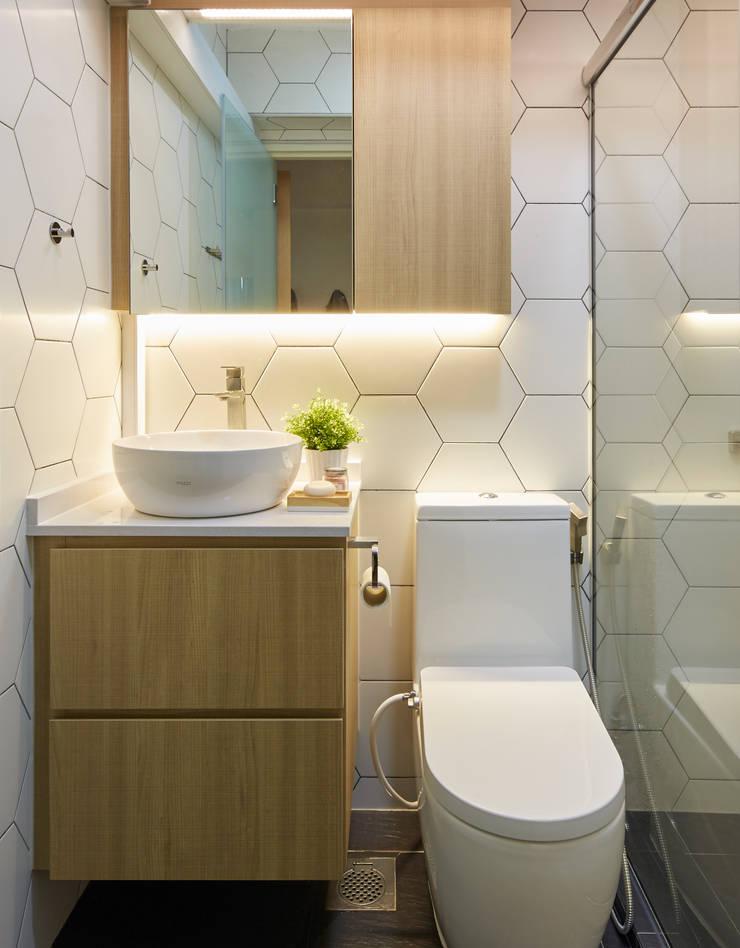 Telok Blangah—4RM HDB BTO Scandinavian style bathroom by The Interior Lab Scandinavian