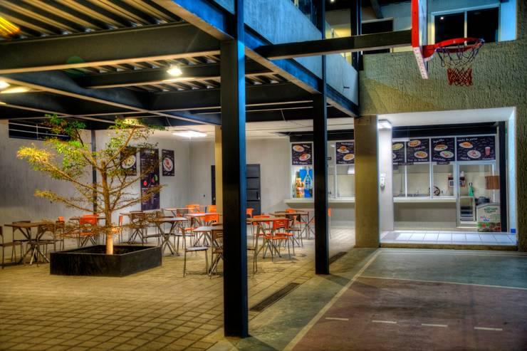 COLEGIO INGLES HIDALGO: Casas de estilo  por Con Contenedores S.A. de C.V.,