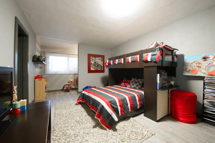 Teen bedroom by Con Contenedores S.A. de C.V., Modern
