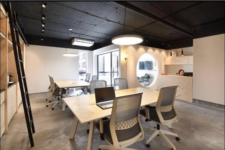 Oficinas: Oficinas y Comercios de estilo  por Espaciogracia, Industrial