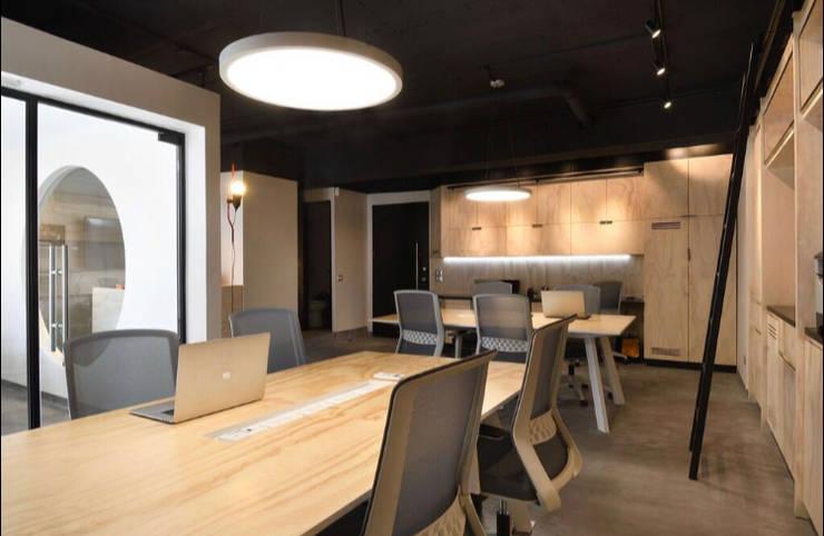 Offices & stores by Espaciogracia, Industrial