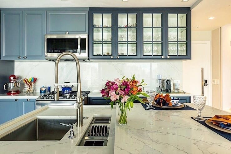 Detalle cocina Charm:  de estilo  por FLORENSE, Clásico