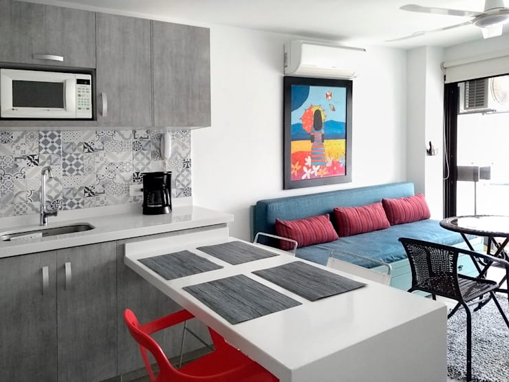 Remodelar apartamento: Cocinas pequeñas de estilo  por Remodelar Proyectos Integrales,