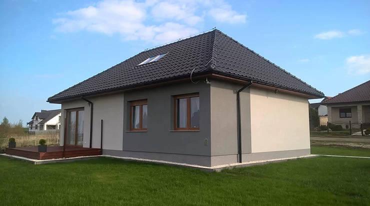 Dom z keramzytu w Ziemnicach:  Houses by Dom z Keramzytu,