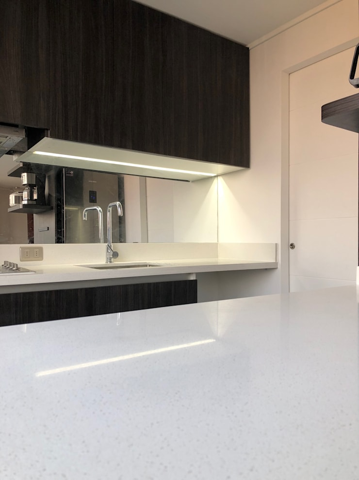 Küchenzeile von balConcept SpA, Minimalistisch Quarz