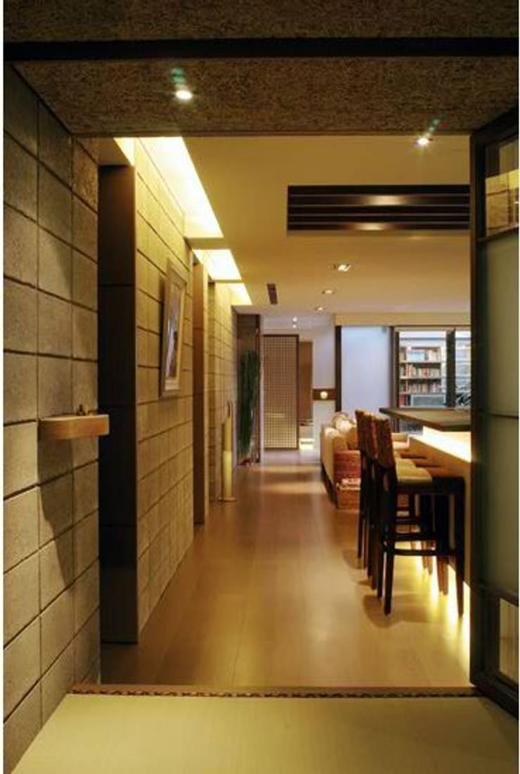 餐廳:  餐廳 by 鼎爵室內裝修設計工程有限公司,
