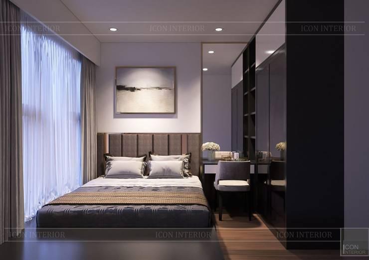 Phong cách hiện đại trong thiết kế nội thất căn hộ Saigon Royal:  Phòng ngủ by ICON INTERIOR,
