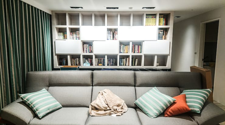 書房空間風水設計:  書房/辦公室 by 大吉利室內裝修設計工程有限公司,
