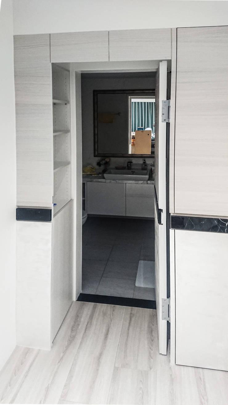 浴室隱藏風水設計:  浴室 by 大吉利室內裝修設計工程有限公司,