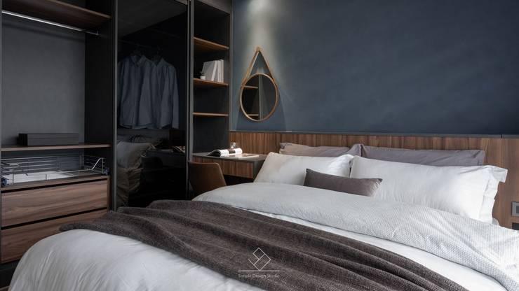 Dormitorios de estilo  de 極簡室內設計 Simple Design Studio, Moderno