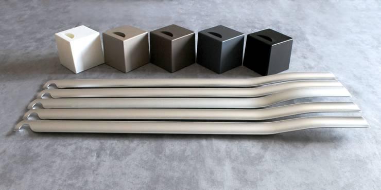 Shift: Camera da letto in stile  di Paolo D'Ippolito - idee e design,