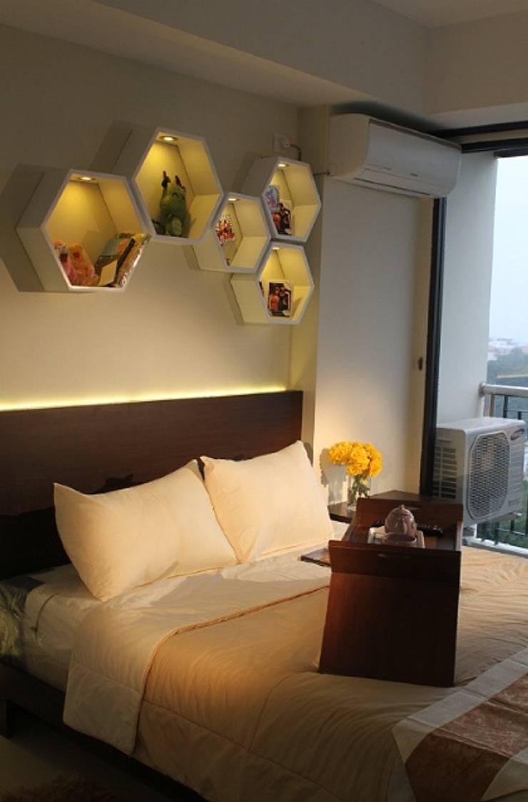 Beverly Honeycomb Tipe Studio Apartment: Kamar Tidur oleh POWL Studio,