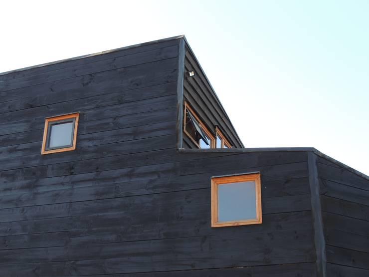 Casa Molle : Casas unifamiliares de estilo  por MMS Arquitectos, Moderno Madera Acabado en madera