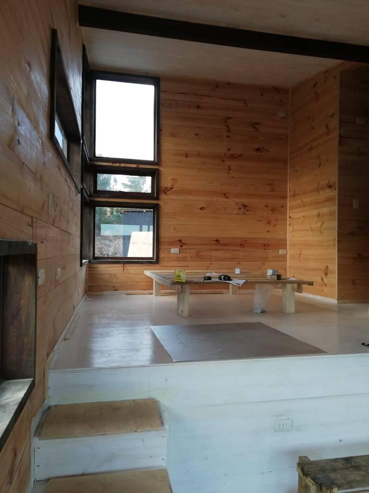 Casa Las Yuntas de Buchupureo : Dormitorios de estilo  por MMS Arquitectos,
