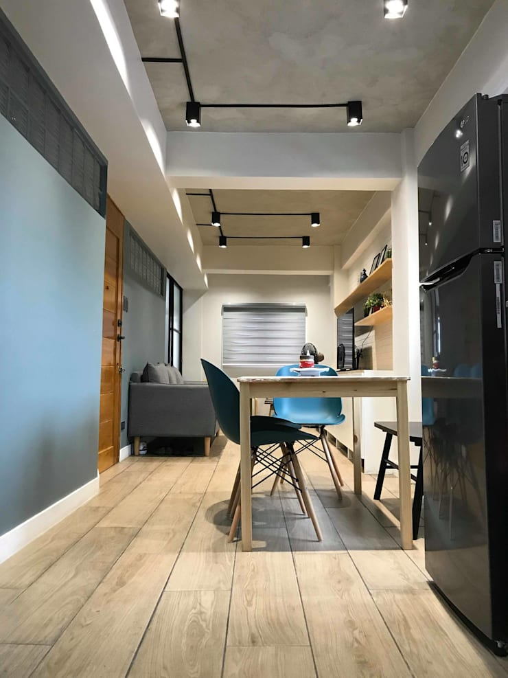 Dining area:  Dining room by Jeff See Architects,