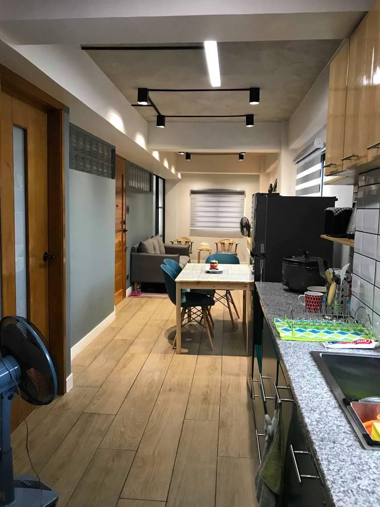Kitchen:  Kitchen by Jeff See Architects,