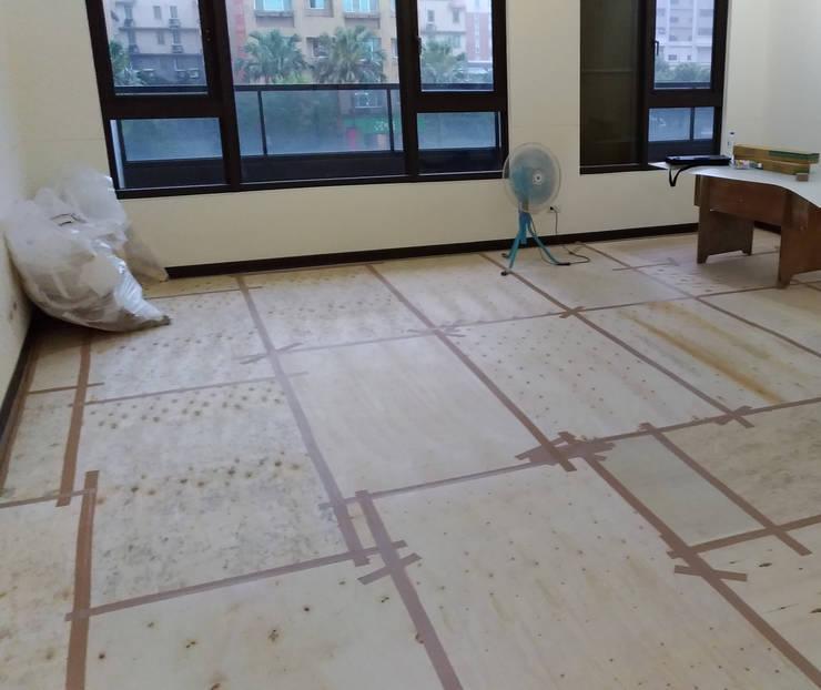 空間保護與整潔:  地板 by 大吉利室內裝修設計工程有限公司,