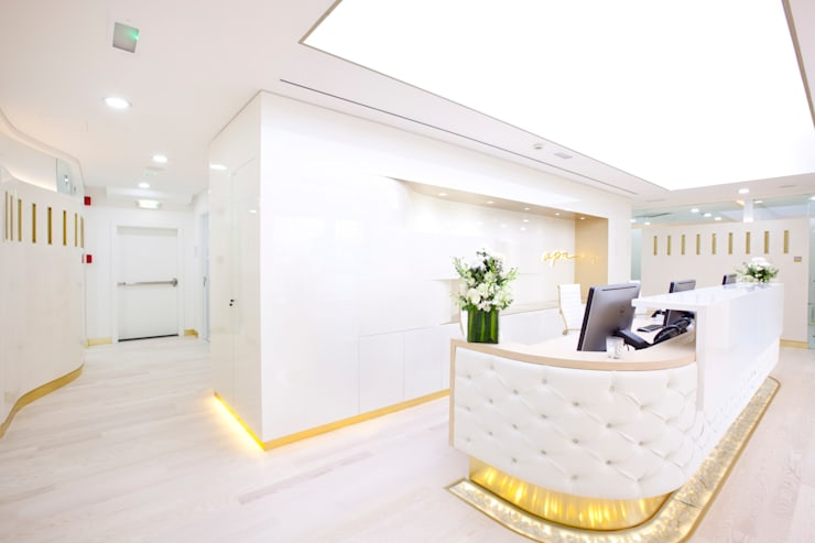 Study/office by Splyce Interior Design ,