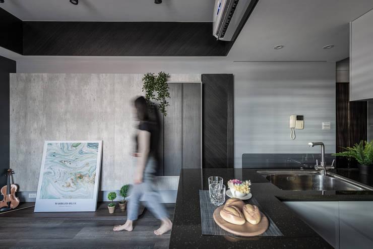 電視牆 by 你你空間設計 Eclectic Wood Wood effect
