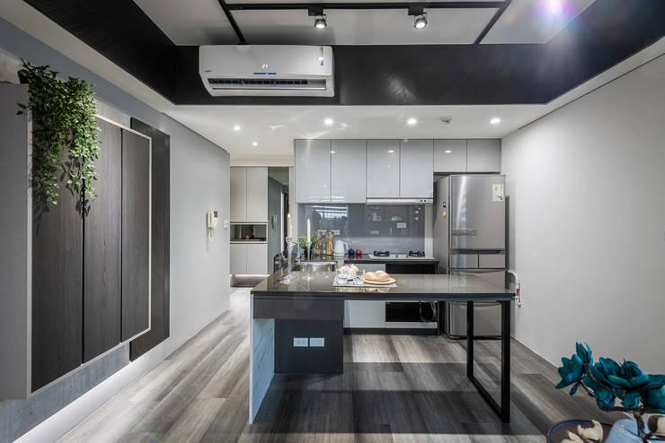 廚房 by 你你空間設計 Eclectic Wood Wood effect