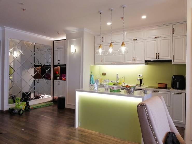 Thi công nội thất chung cư giá rẻ Hà Nội:  Kitchen by NỘI THẤT XLINE,