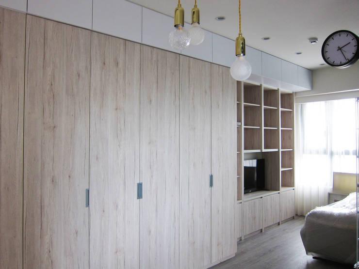 衣櫃:  臥室 by ISQ 質の木系統家具,