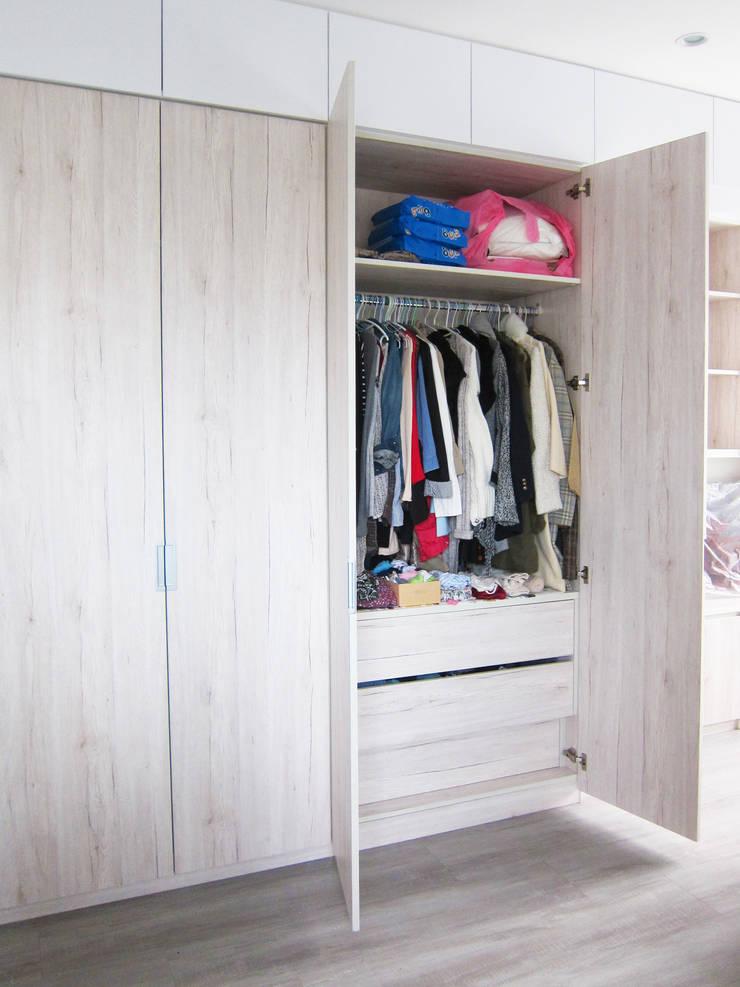 衣帽櫃:  臥室 by ISQ 質の木系統家具,