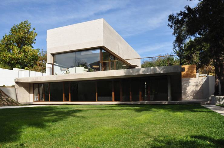 Houses by Patricio Oteiza, Modern