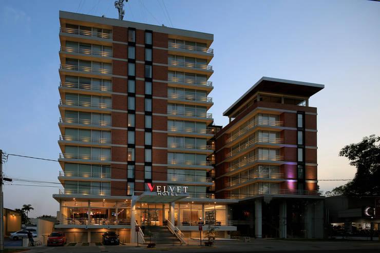 Hotels by Echauri Morales Arquitectos, Modern Iron/Steel