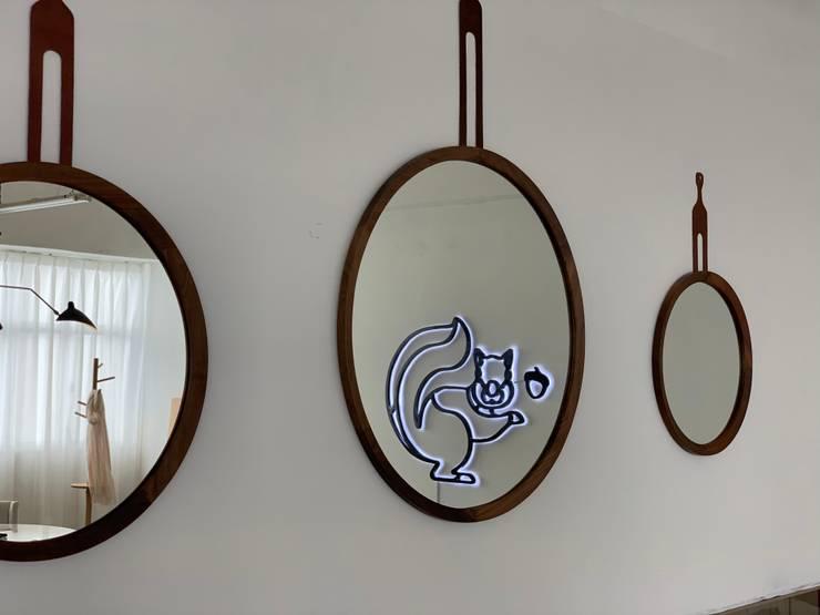 Interior Decoration Hub:  Living room by The Editors Company,