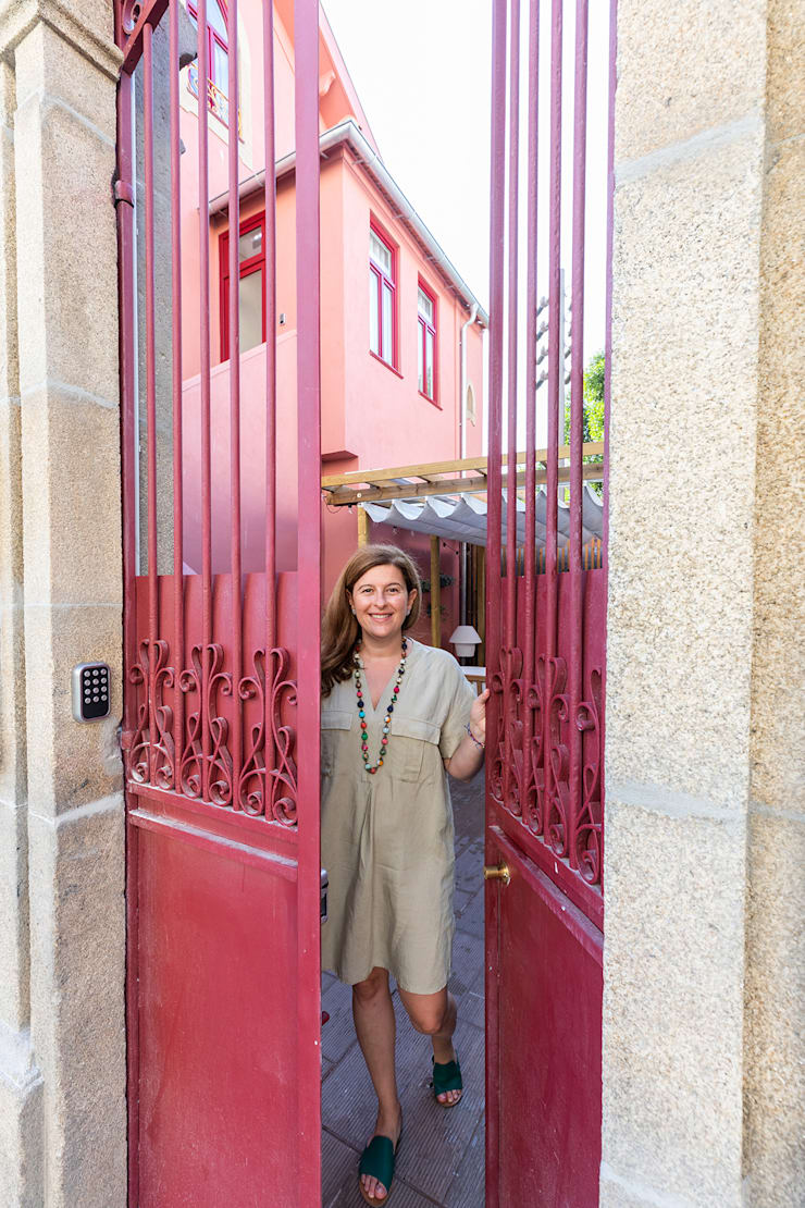 Front doors by SHI Studio, Sheila Moura Azevedo Interior Design, Classic
