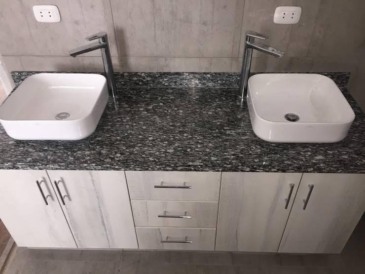 Muebles de Baño y Piedra: Baños de estilo  por YR Solutions,