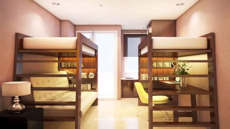 Compact Studio Apartment: Kamar tidur kecil oleh ADEA Studio, Modern Kayu Wood effect