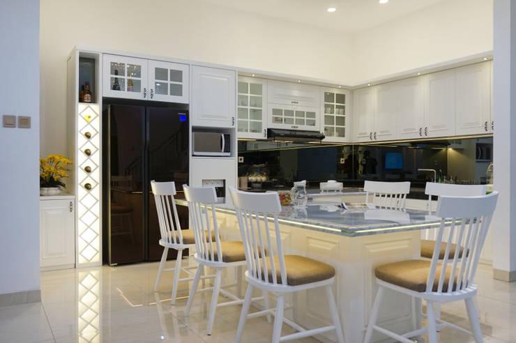 dapur klasik: Dapur oleh PT Membangun Harapan Sukses,