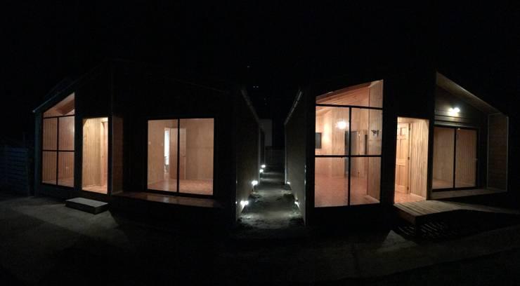 Cabañas 3R:  de estilo  por Loberia Arquitectura, Mediterráneo