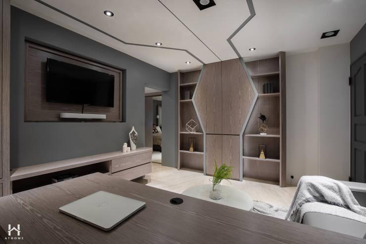Projekty,  Małe sypialnie zaprojektowane przez 在家空間設計, Nowoczesny Lite drewno Wielokolorowy