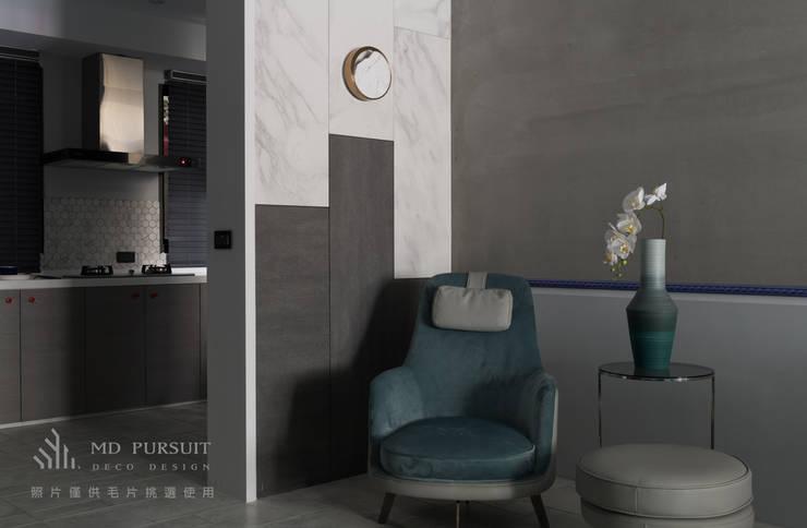 燭光  Candlelight:  書房/辦公室 by 肯星室內設計, 現代風
