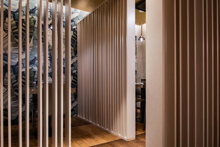 Ristorante KISEN Milano Bar & Club in stile asiatico di GruppoTre Architetti Asiatico