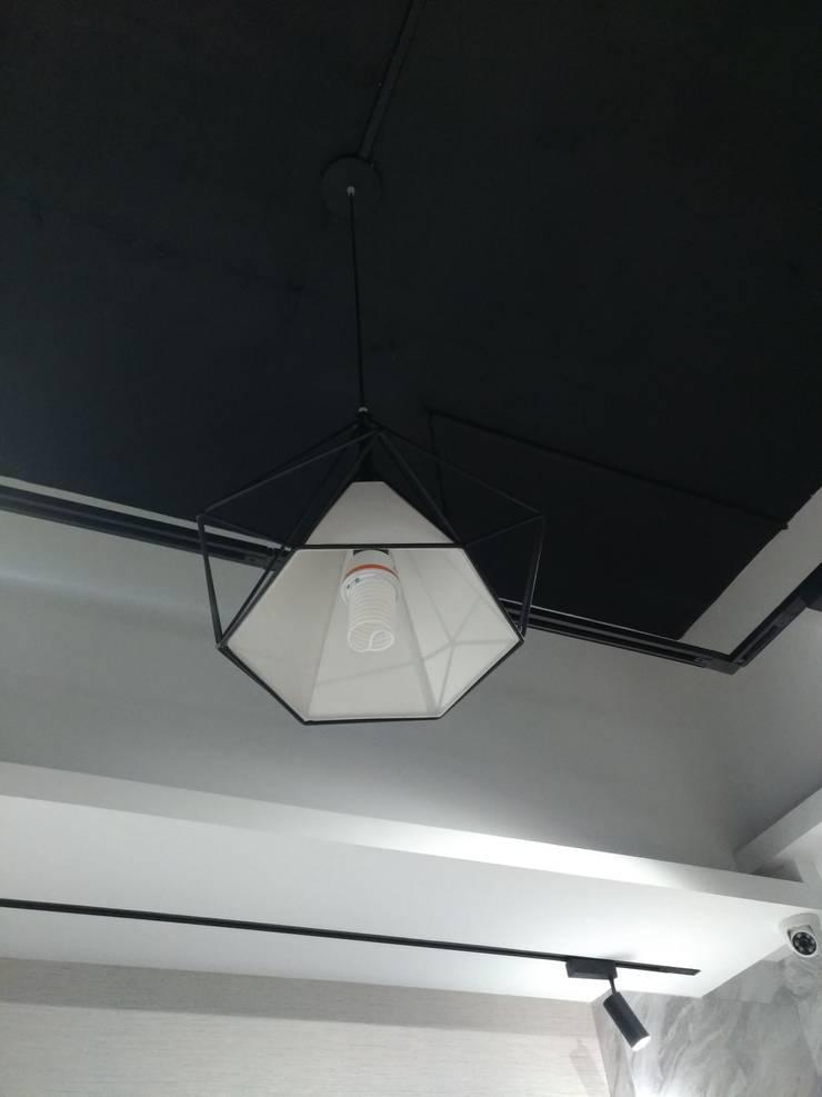 CCFL 護眼燈泡:  診所 by 元冠科技照明有限公司,