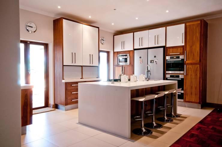 Kitchen Design Pretoria:  Kitchen by Kitchen Frontiers,