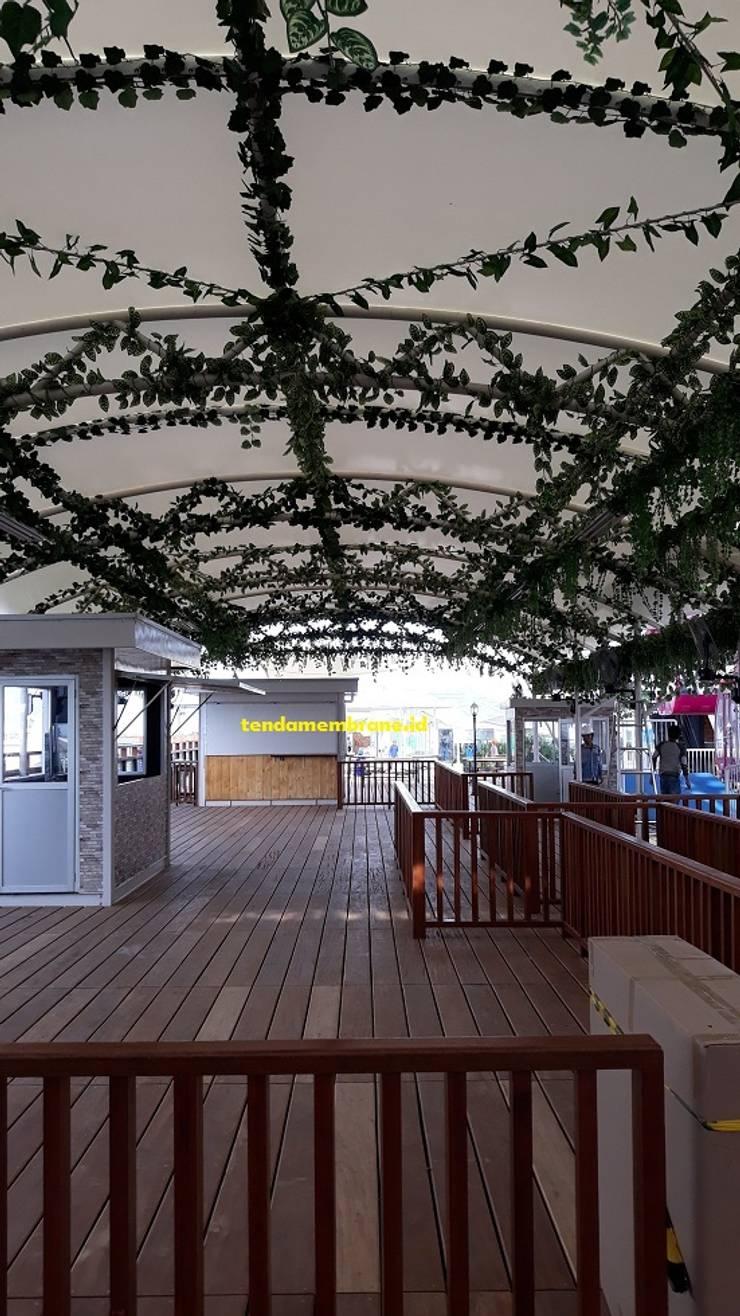 Tenda membrane AEON Mall Cakung: Pusat Perbelanjaan oleh Fortuna Jaya Kreasi,