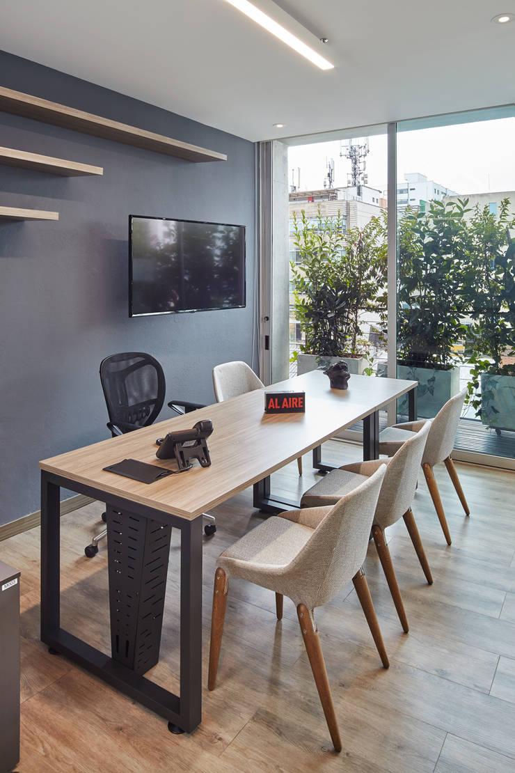 MBA Networks : Oficinas y tiendas de estilo  por Servex Colombia,