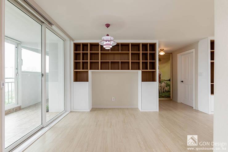 주방, 맞춤책장: 곤디자인 (GON Design)의  주방,모던
